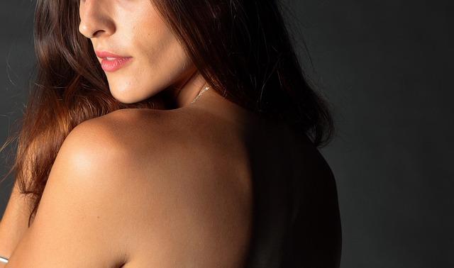 Come coprire i pori dilatati