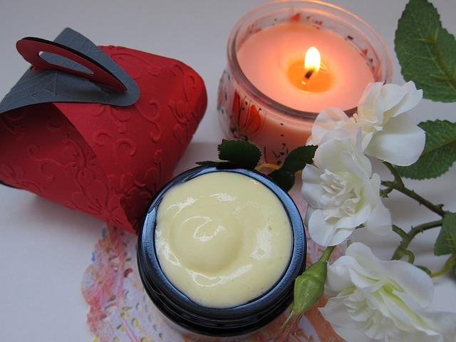 Crema viso nutriente per pelle normale