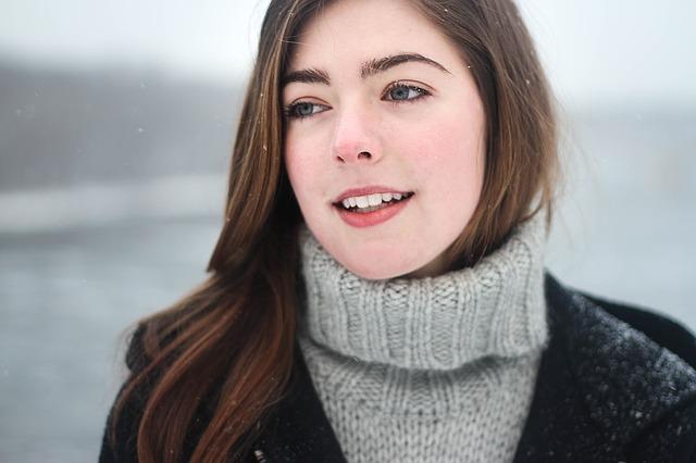Come curare i danni da freddo sul viso