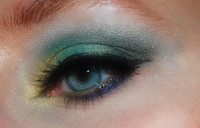 Make up con tre ombretti